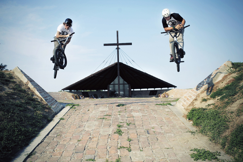 05. Isaac Lesser Martyn Cooper Barspin Kirche